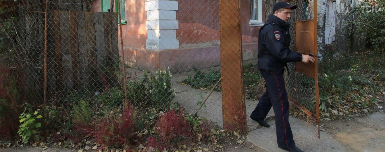 Соседи керченского стрелка назвали его нелюдимым и удивились деньгам на оружие