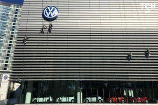 Volkswagen готовиться к независимости от корейских батарей