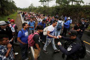 """Трамп пригрозил закрыть границу с Мексикой из-за """"Марша мигрантов"""""""