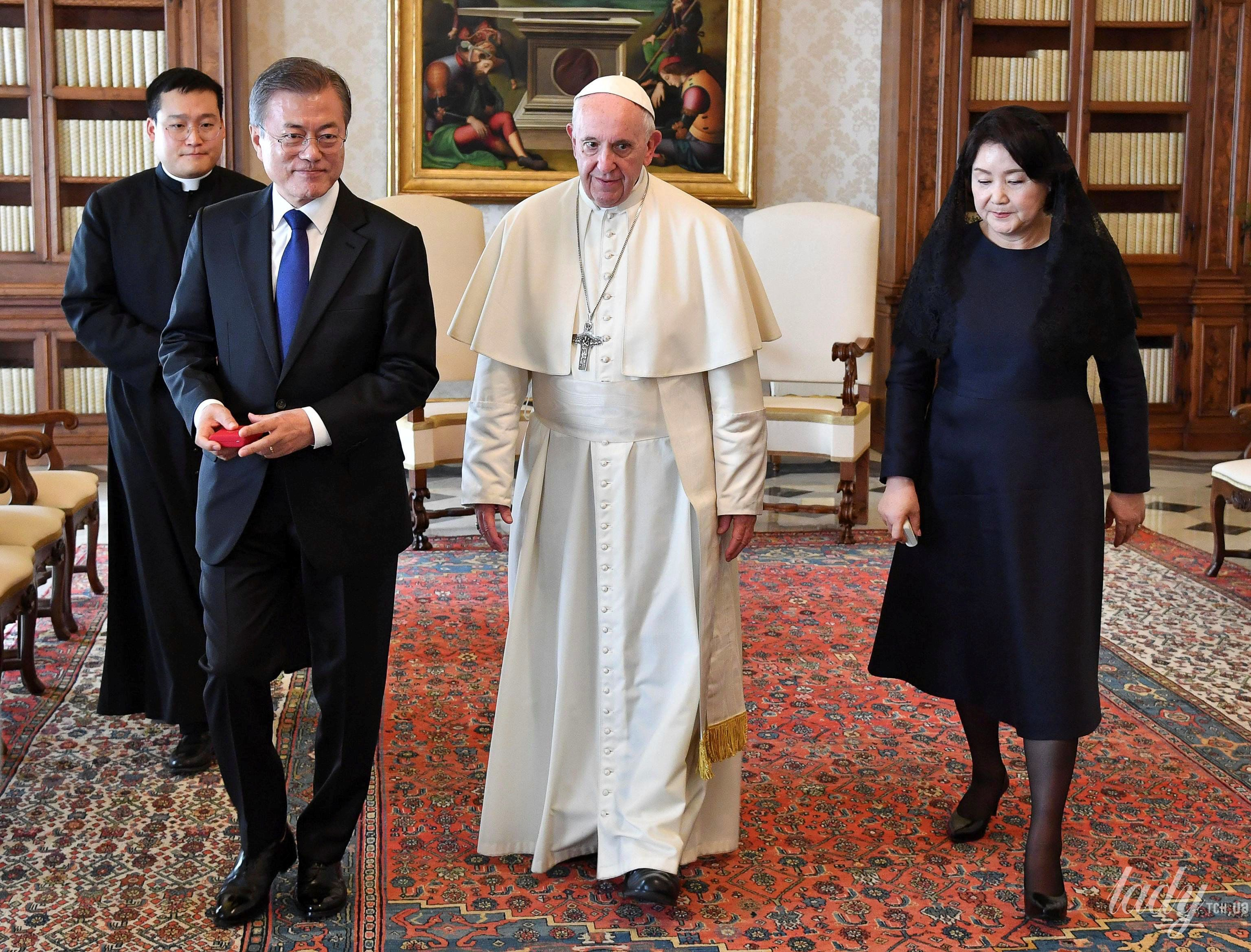 Президент Южной Кореи с супругой_4