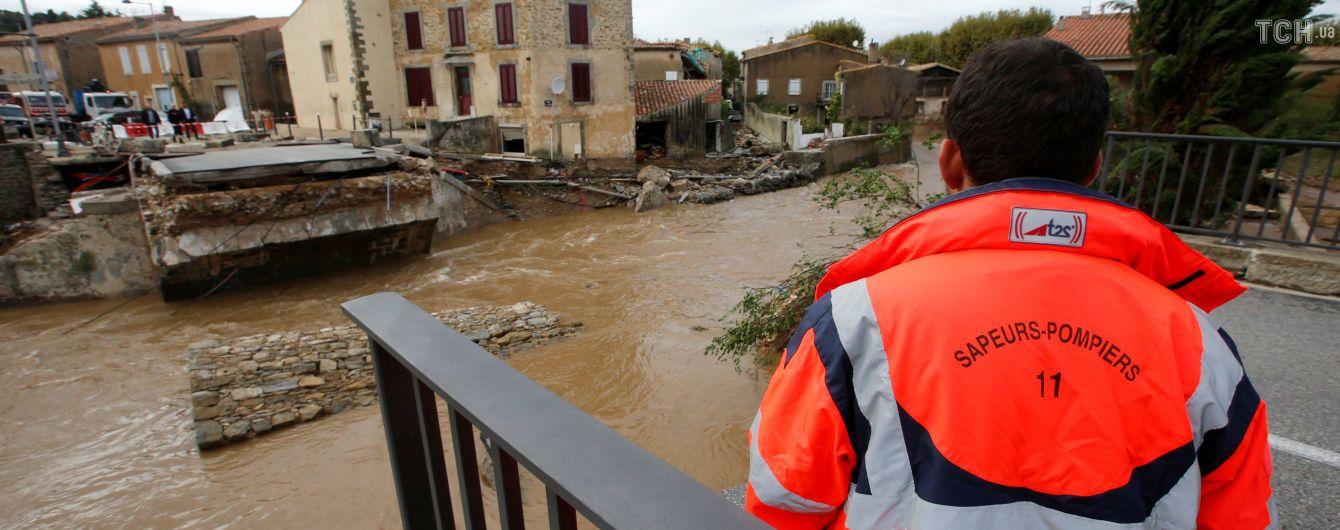 Із сильною повінню у Франції борються 350 рятувальників