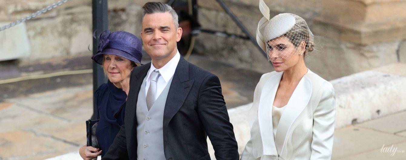 Галстук в тон туфель жены: Робби Уильямс на королевской свадьбе