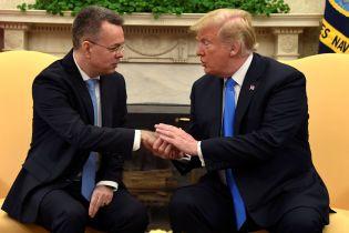 Дональд Трамп встретился с освобожденным из турецкой тюрьмы американским пастором