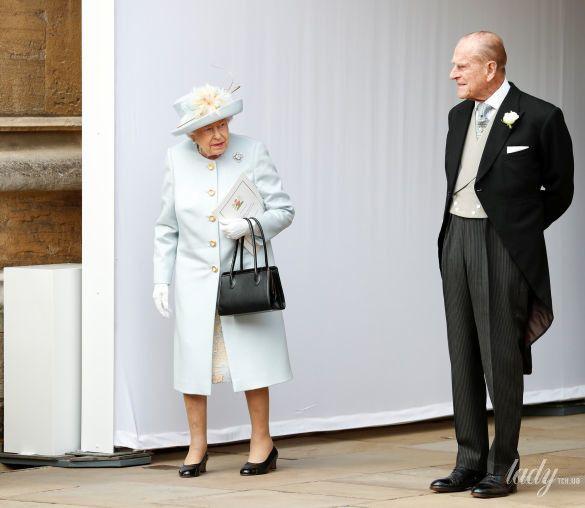 Королева Елизавета II и принц Филипп_7