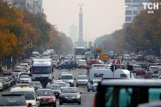 У Євросоюзі домовилися про зниження норм автовикидів СО2 до 2030 року