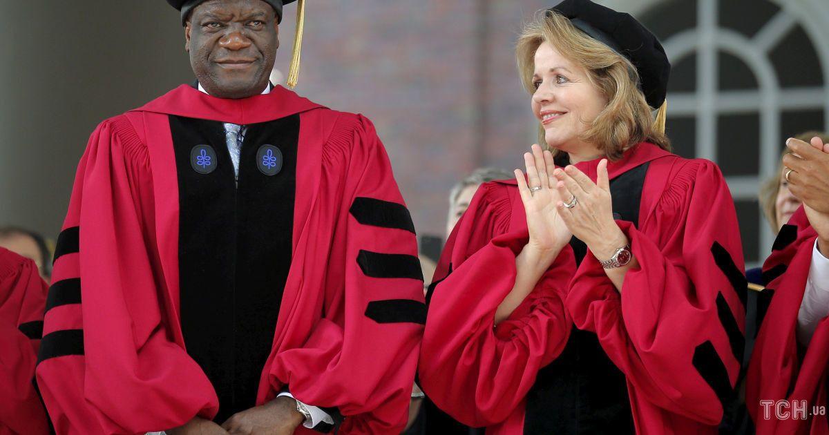 Лауреаты Нобелевской премии мира Дэнис Муквеге и Надежда Мурад