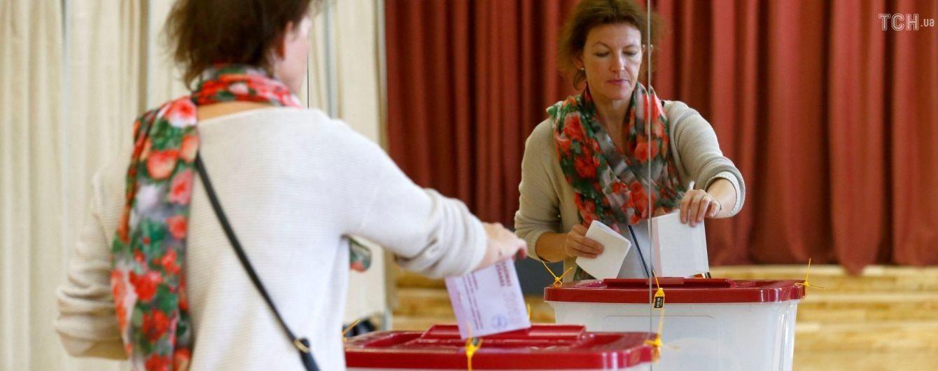 На выборах в Латвии побеждает пророссийская партия - экзит-пол
