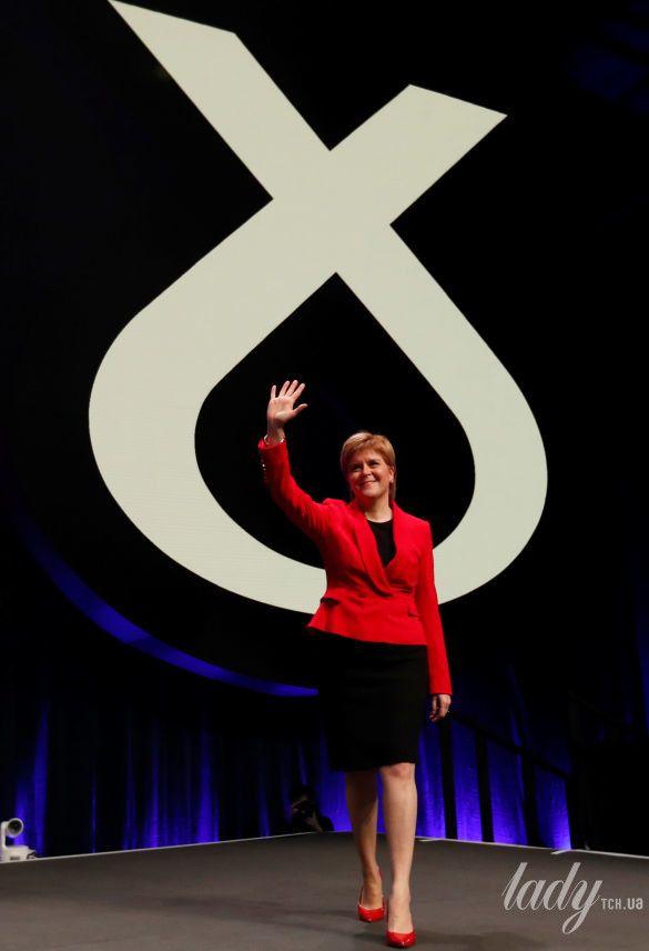 Первый министр Шотландии Никола Стерджен_5