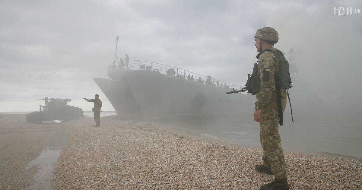 Украина собирает доказательства незаконной остановки судов РФ в Азовском море для международных судов