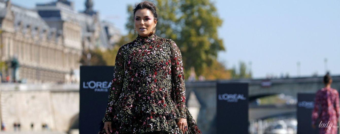 Это провал: Ева Лонгория вышла на подиум в неудачном платье