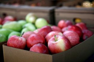 Рекордний урожай обвалив ціни на яблука
