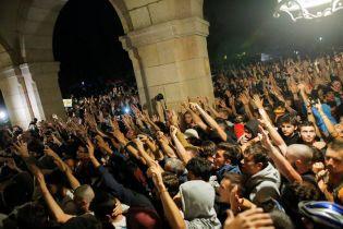 У Каталонії знову заворушення: протестувальники зіткнулися з поліцією