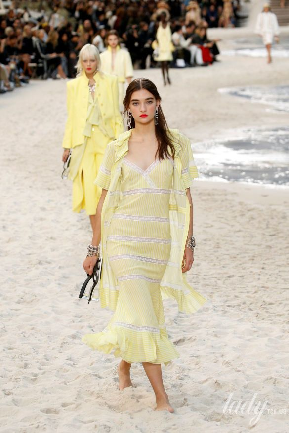 Коллекция Chanel прет-а-порте сезона весна-лето 2019_14