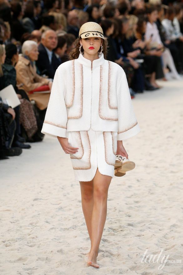 Коллекция Chanel прет-а-порте сезона весна-лето 2019_16