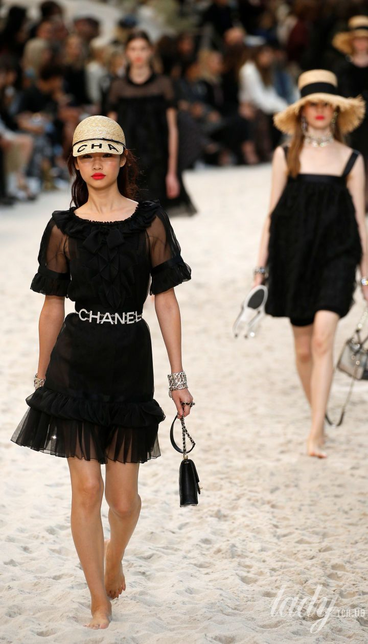 Коллекция Chanel прет-а-порте сезона весна-лето 2019 Полноэкранный режим 217c3becbab