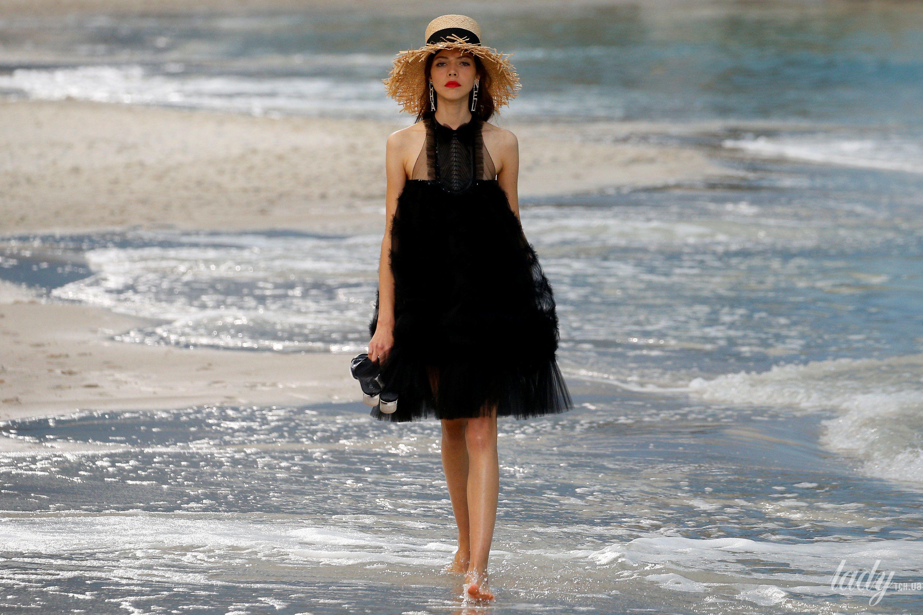 Коллекция Chanel прет-а-порте сезона весна-лето 2019_25