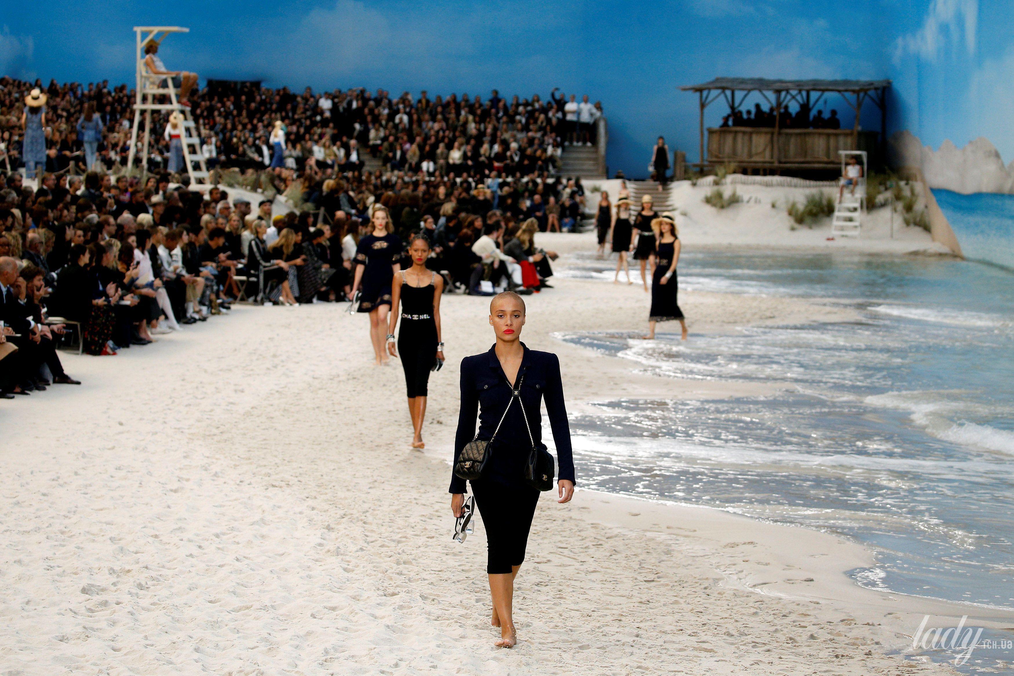 Коллекция Chanel прет-а-порте сезона весна-лето 2019_26