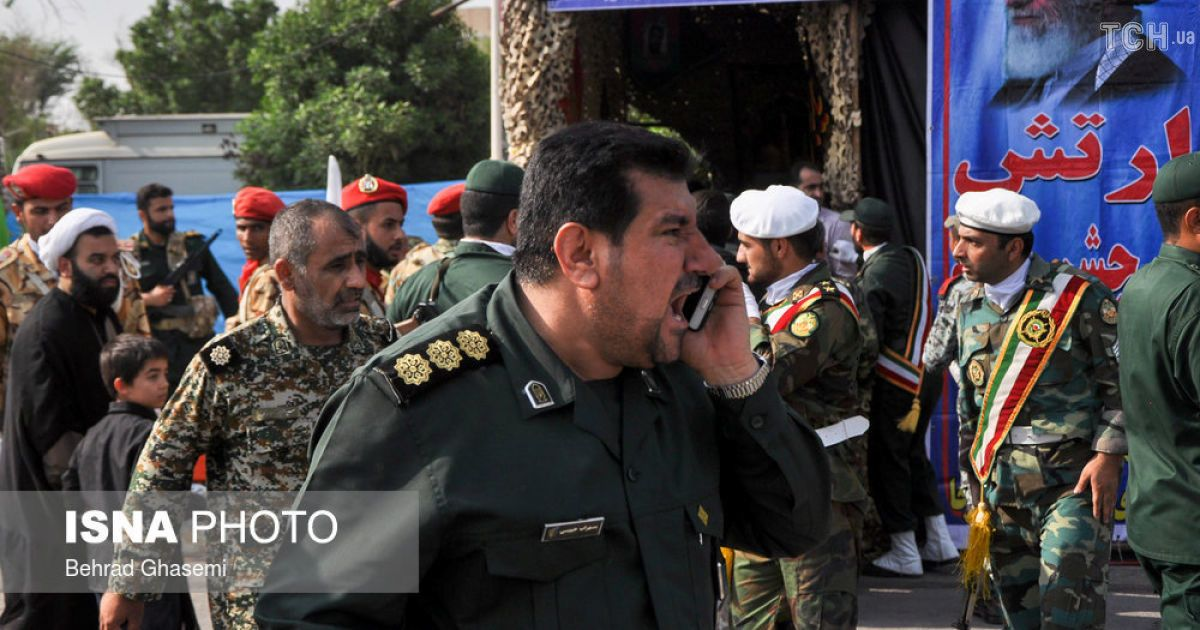 Кривава бійня: президент Ірану звинуватив союзників США в теракті на військовому параді