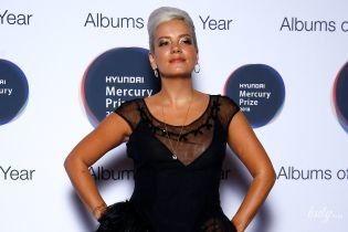 У прозорій сукні і на лубутенах: Лілі Аллен на червоній доріжці в Лондоні