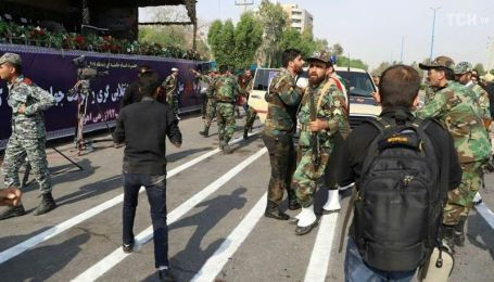 Унаслідок стрілянини під час військового параду в Ірані загинуло 10 осіб