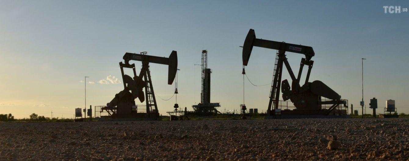 """На Чернігівщині зловмисники """"врізалися"""" у нафтопровід, викачуючи сировину в автоцистерни"""
