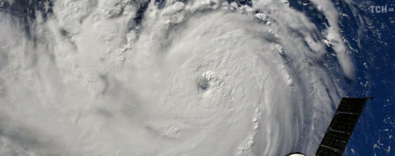 В США более 1,5 млн человек бросят свои дома из-за самого мощного за три десятилетия урагана