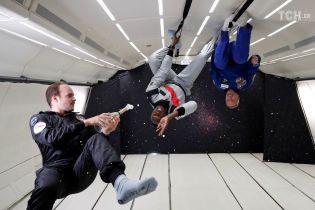 Космическое шампанское и прогулки по потолку: как спортсмены и космонавты развлекаются в невесомости