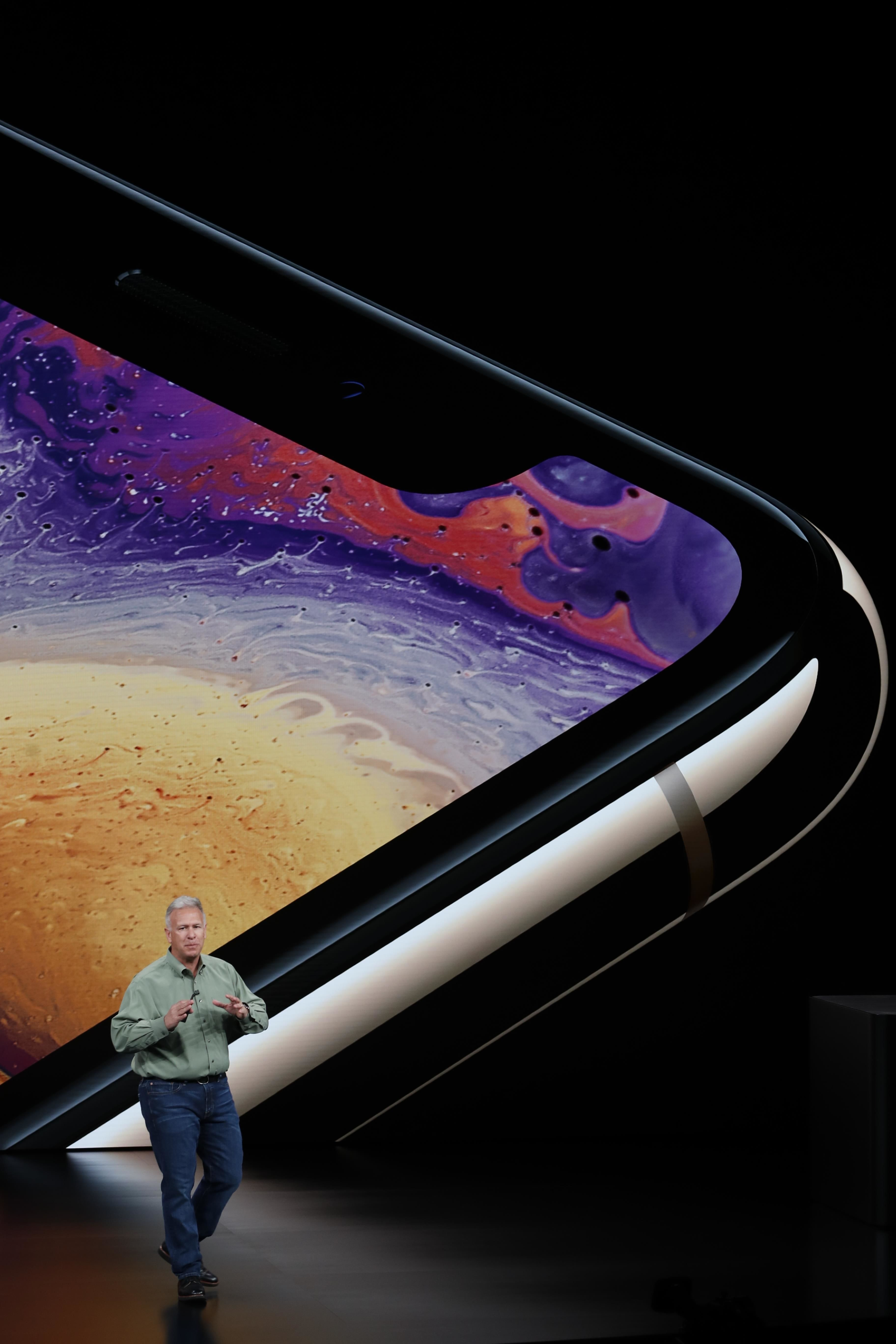 Apple, iPhone, презентація нових Айфонів 12 вересня, вертикальна