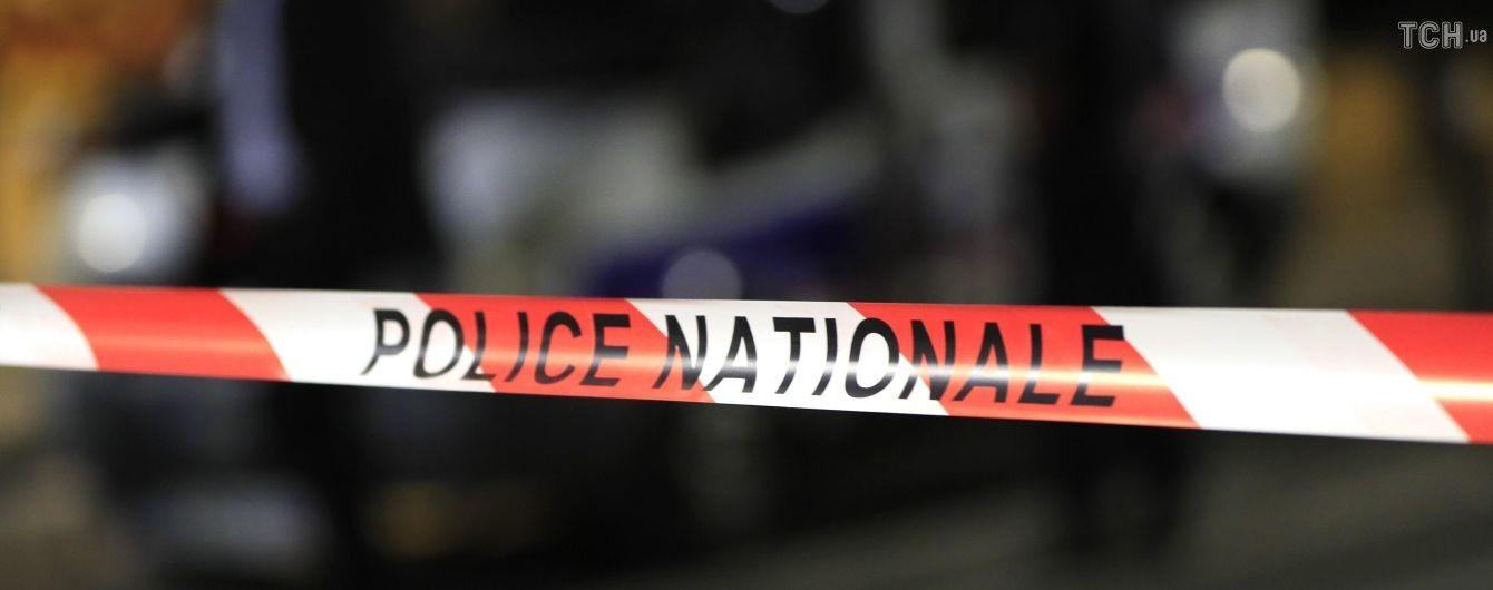 Напал с железным прутом и ножом: подробности резни в Париже