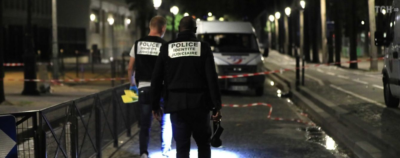 В Париже неизвестный устроил резню