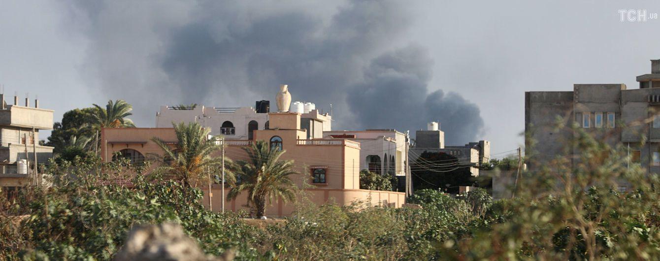 В столице Ливии ввели чрезвычайное положение из-за кровавых боев, из тюрьмы произошел массовый побег