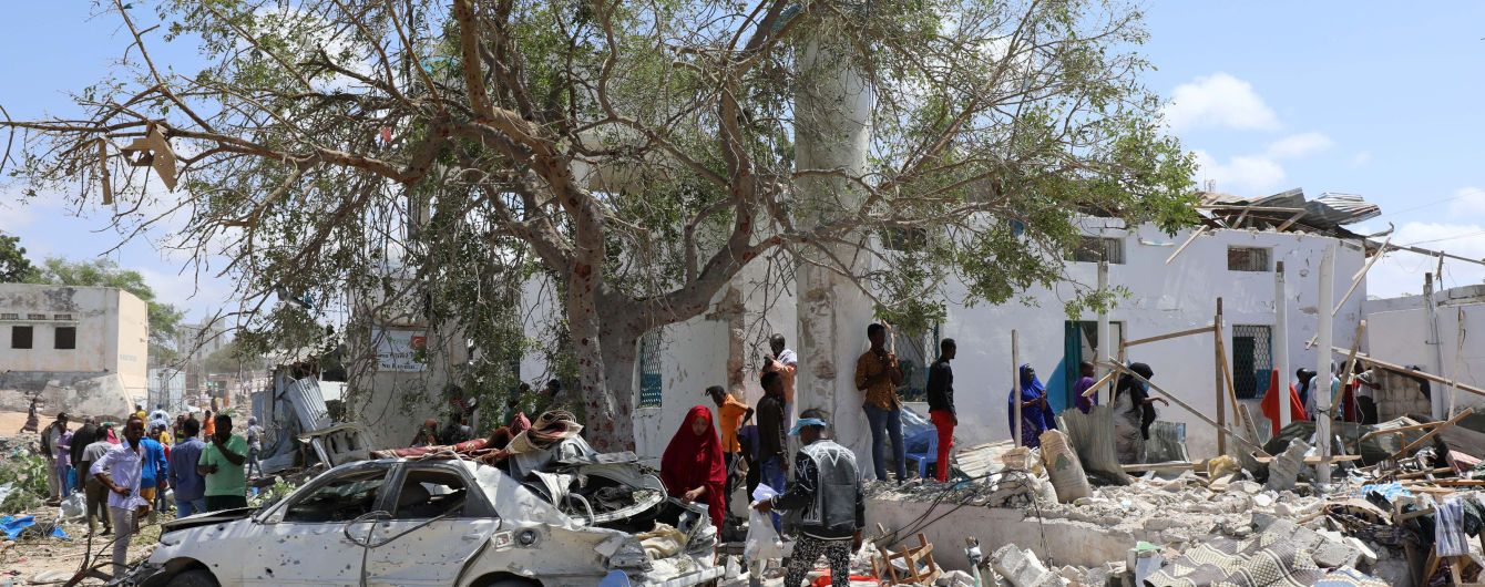 Щонайменше шестеро людей загинули внаслідок підриву смертника у столиці Сомалі