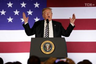 Трамп заявил о введении пошлин на китайские товары стоимостью на $ 200 млрд