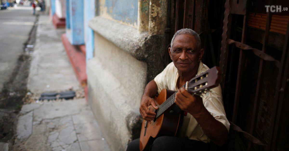 До чого техніка дійшла: на Кубі тестують запуск мобільного Інтернету