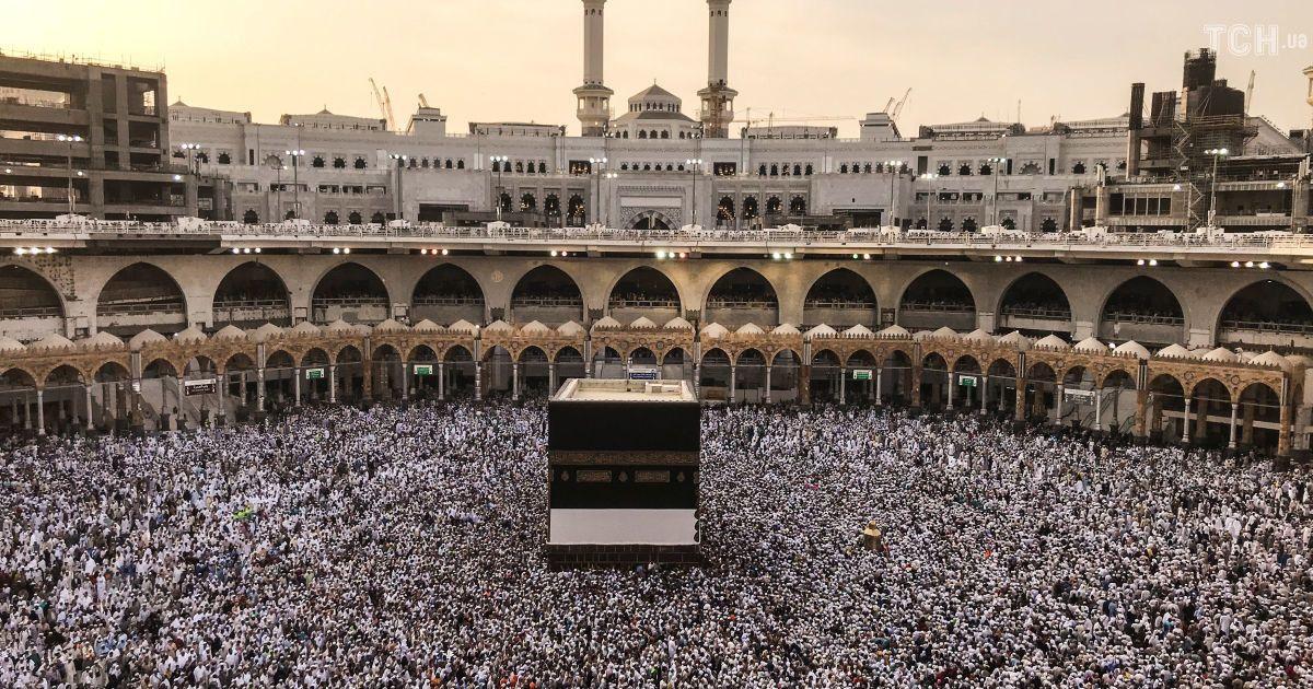 Муравейник из людей: Reuters показало, как 2 млн мусульман начали хадж в Саудовской Аравии