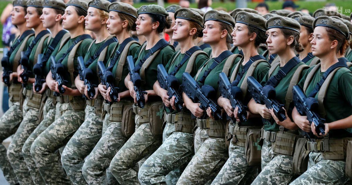 Боевая авиация и военная техника: Reuters показал зрелищную репетицию парада ко Дню Независимости в Киеве