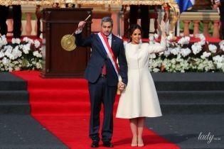 У білосніжному пальті і човниках: перша леді Парагваю прийшла на інавгурацію у розкішному образі