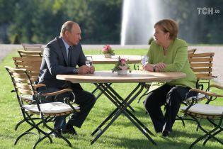 Меркель обговорила з Путіним ситуацію у Керченській протоці