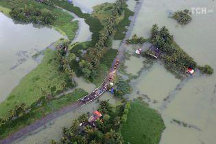 Из-за катастрофических наводнений украинцам не советуют ехать в Индию