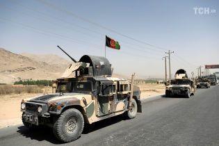 Афганские военные отвоевали у талибов большую часть города Газни