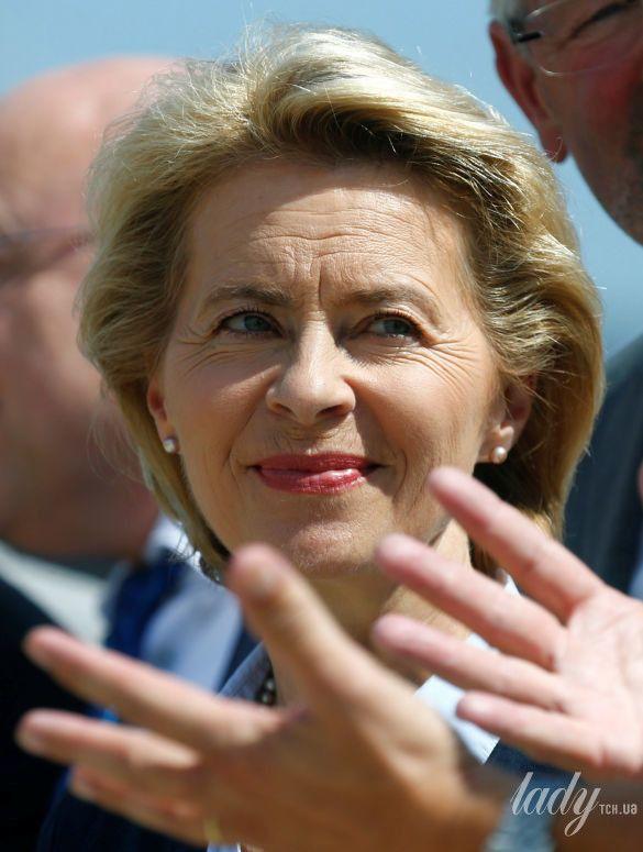 Министр обороны Германии_3