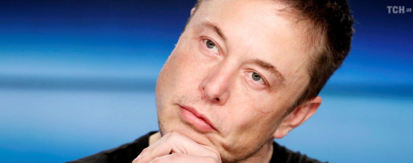 Не электромобилями едиными: Илон Маск решил выпускать текилу под брендом Tesla