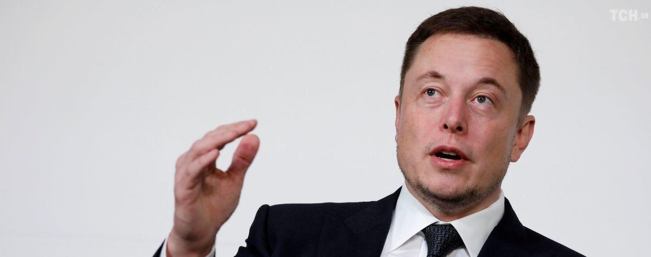 Илон Маск передумал выкупать акции Tesla