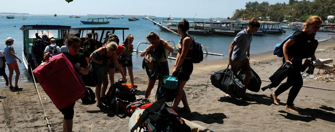Спали на пляжі та крали їжу. Українки розповіли, як врятувалися під час землетрусу в Індонезії