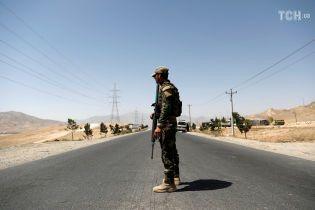 В Афганістані таліби третій день намагаються захопити місто: десятки загиблих