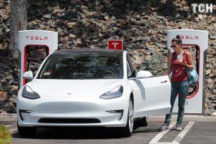 Владельцам Tesla разрешили самостоятельно ремонтировать электрокары