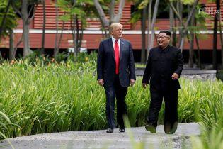"""Трамп розповів, як вони з Кім Чен Ином """"закохались один в одного"""""""