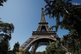 Ейфелева вежа вже другий день зачинена через страйк працівників