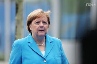 Меркель закликала подовжити санкції проти РФ за агресію на Азові. Щодо введення нових ЄС вагається