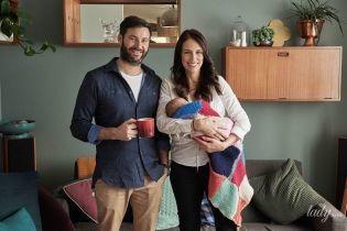 С крошечной дочкой на руках: премьер-министр Новой Зеландии наслаждается материнством